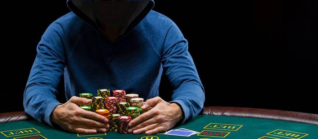 Как да блъфирате покер